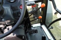 Traktor belarus 8