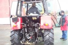 Traktor belarus 9